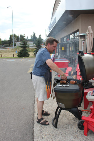 Grilling on a Broil King Keg