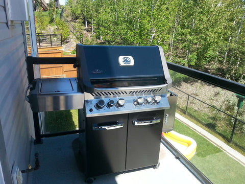 Napoleon Prestige P500RSIB - Propane Grill | A fan favourite BBQ at Barbecues Galore, full of fun features at a great price for summer grilling | Barbecues Galore: Burlington, Oakville, Etobicoke & Calgary