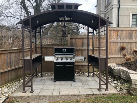 Napoleon Prestige P500 - Natural Gas | One of our summer time hits here, this BBQ is packed full of features and value | Barbecues Galore: Burlington, Oakville, Etobicoke & Calgary