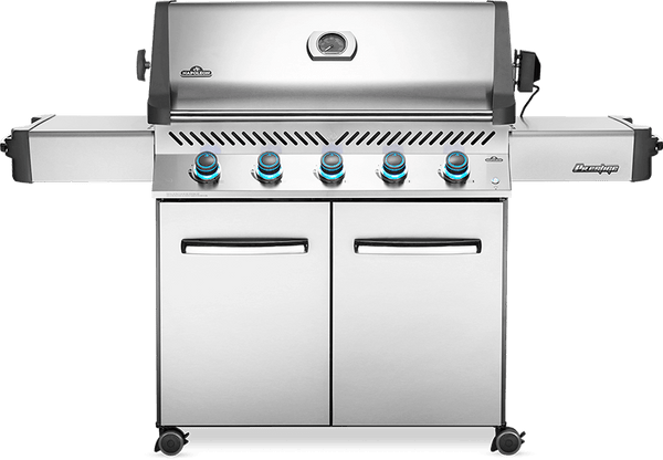 Napoleon P665 Stainless Steel Grill - Natural Gas | Lots of space for lots of food, this grill is the ultimate tool to big cookouts this summer | Barbecues Galore: Burlington, Oakville, Etobicoke & Calgary