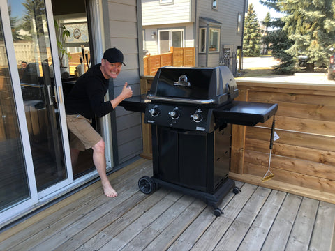 Broil King Signet 320B - Natural Gas Grill | Get yours in time for summer at Barbecues Galore: Burlington, Oakville, Etobicoke & Calgary