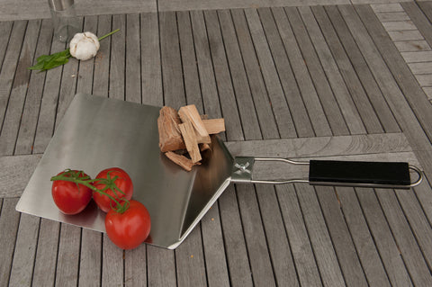 Brander Stainless Steel Pizza Lifter Lifestyle 1