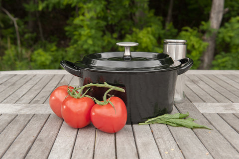 Brander Cast Iron Pot with Lid Lifestyle