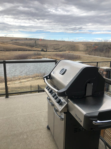 Napoleon Prestige P500RSIB - Natural Gas | A best seller at Barbecues Galore, packed full of features at a great price for some summer fun | Barbecues Galore: Burlington, Oakville, Etobicoke & Calgary