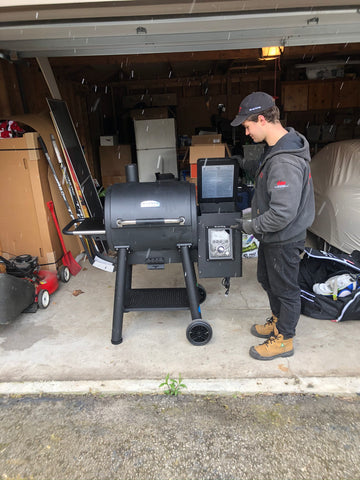 Broil King Regal Pellet 400 | Pellet bbqs are the hottest thing in the barbecue world – the perfect summer grilling experience | Barbecues Galore in Calgary, Burlington, Oakville & Etobicoke