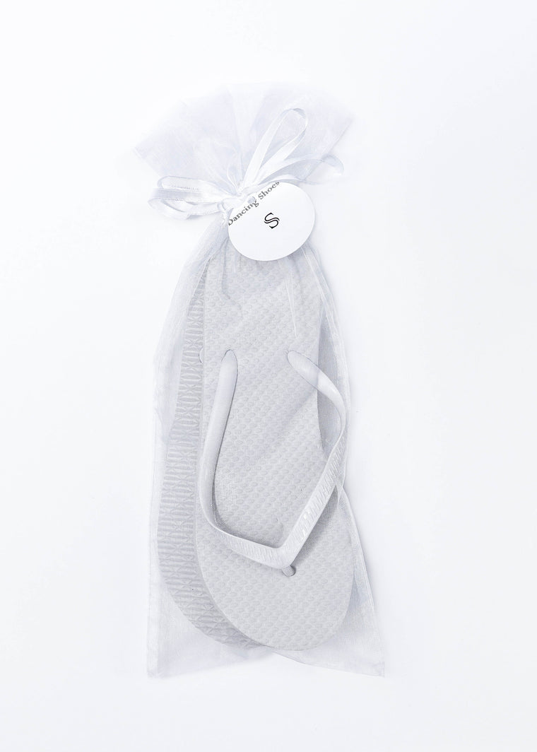 Classic White Flip Flop with White Organza Bags - My Party Saver. Your Guest's Best Friend.™