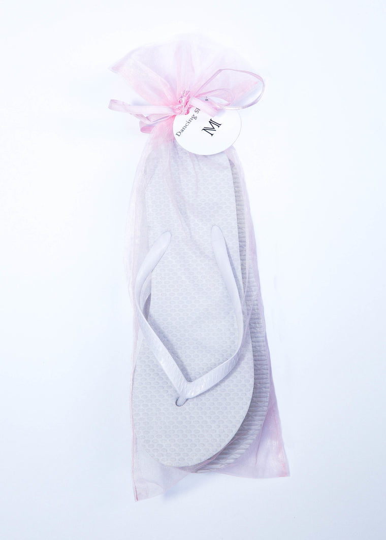 Classic White Flip Flop with Pink Organza Bags - My Party Saver. Your Guest's Best Friend.™