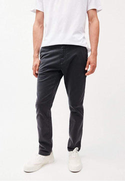 armedangels Mens trousers Aato - chino trousers - acid black