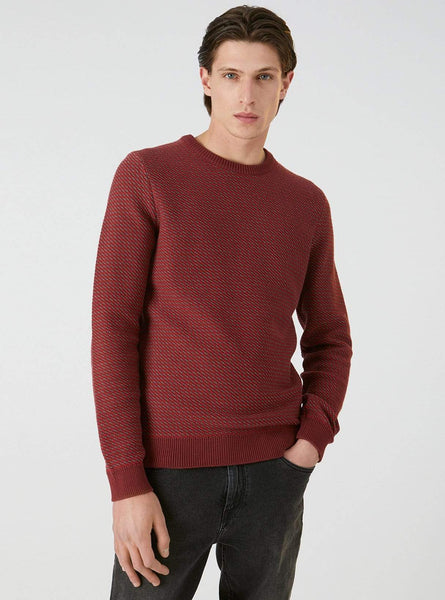 Taavi - knitted pullover - red pear