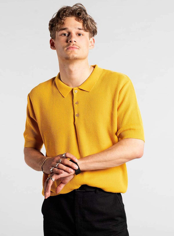 dedicated Mens t-shirts Gnesta - sweater short sleeve - yellow