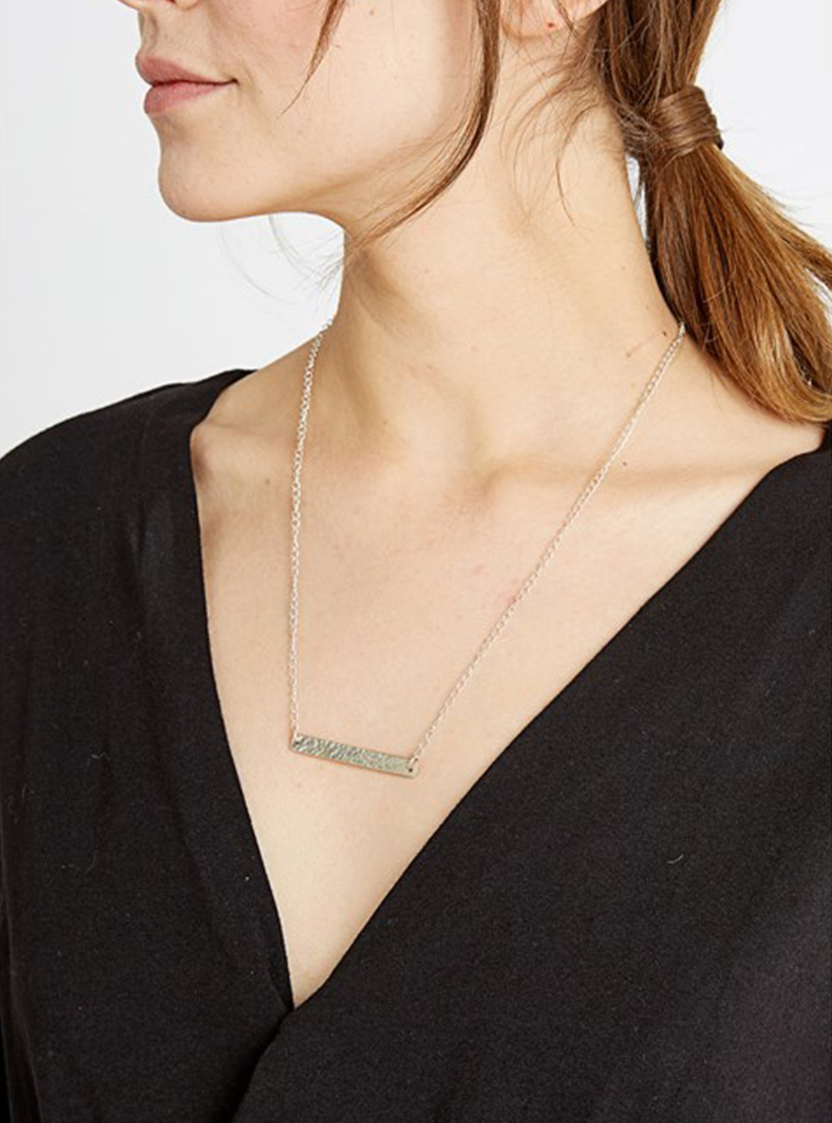 Beaten bar necklace - silver