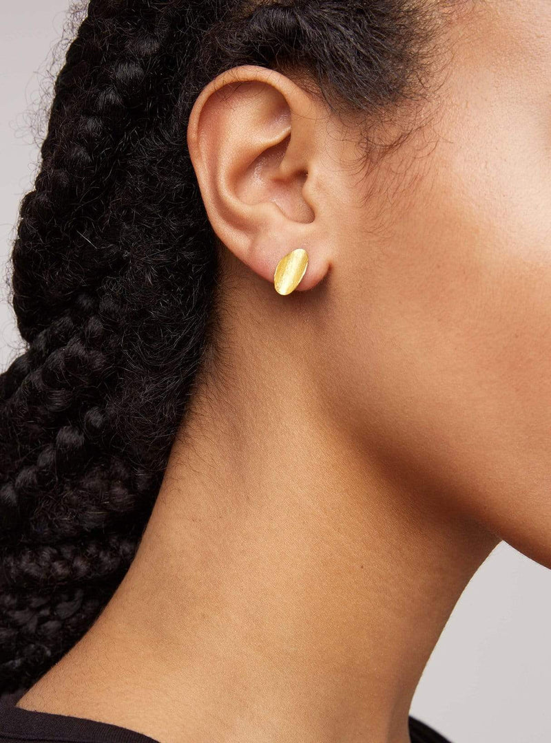 People tree jewellery Curled leaf stud earrings - brass