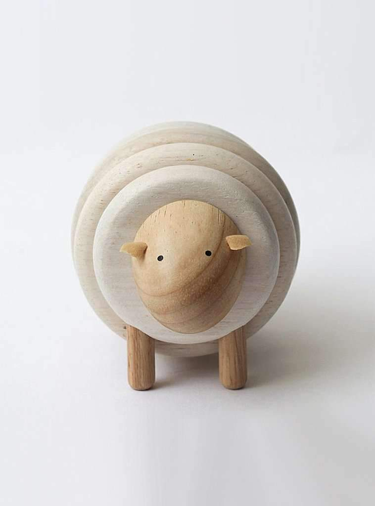 Plan Toys toy Puzzle toy - lacing sheep