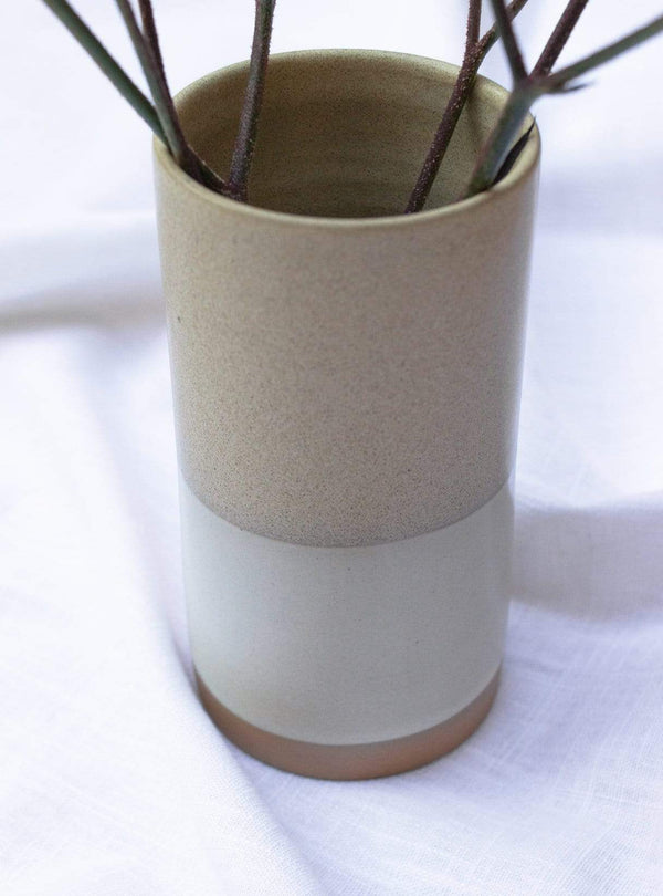 studio JUX Living room Two tone - small vase - beige sand stripe