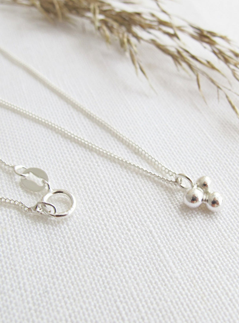 Wild Fawn jewellery Triple dot necklace 60cm - sterling silver