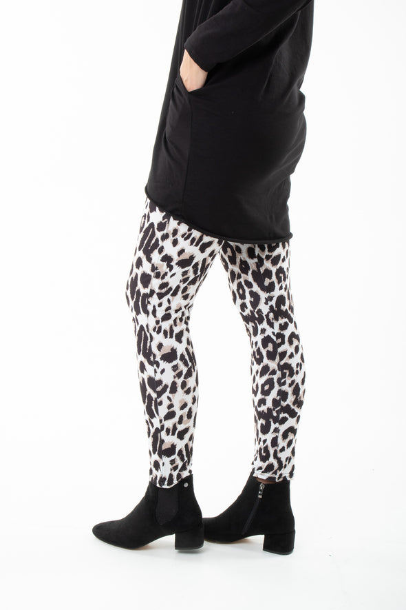 Tasha Animal Leggings - Tilletts Clothing (4095163990129)