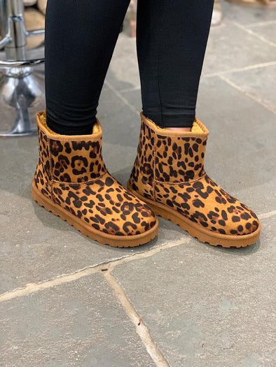 Short Faux Sheepskin Boot Leopard