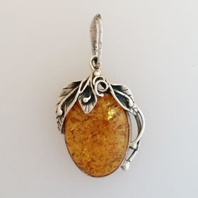 Amber Grapevine Pendant Set in Sterling Silver