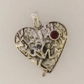 Garnet Frog Heart Pendant Set in Sterling Silver