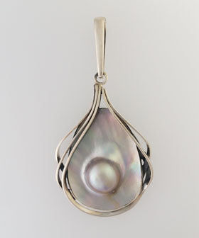 Mobe Pearl Pendant Set in Sterling Silver