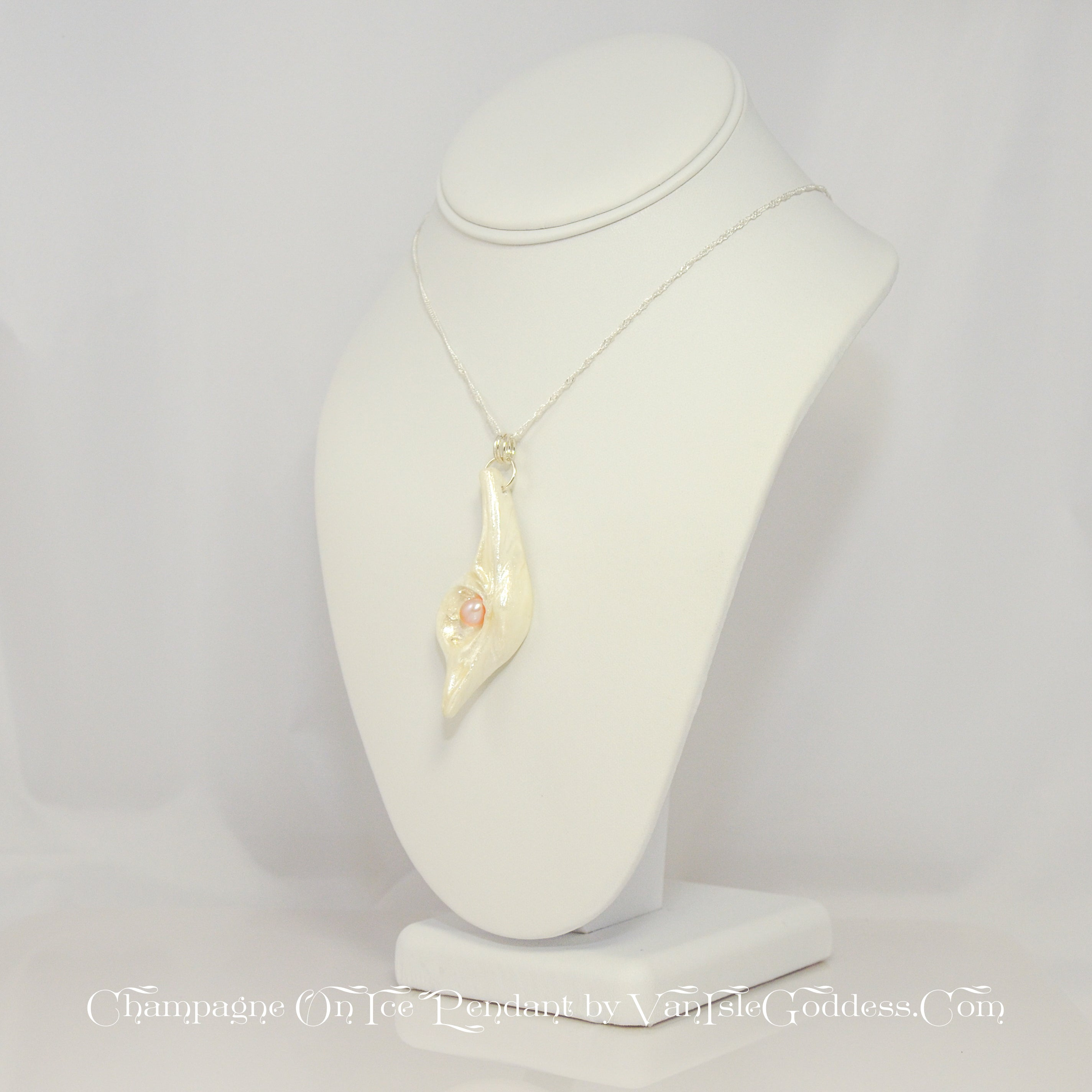 Champagne On Ice Island Goddess Seashell Pendant
