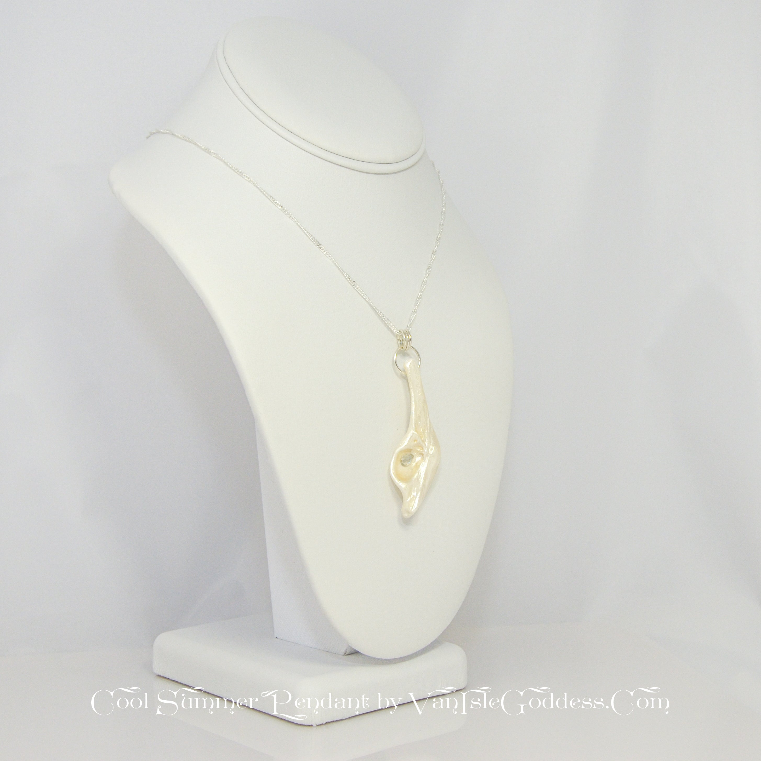 Cool Summer Island Goddess Seashell Pendant