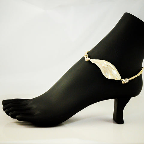IG158 Sointula.  Natural seashell anklet by Island Goddess Jewelry  VanIsleGoddess.Com