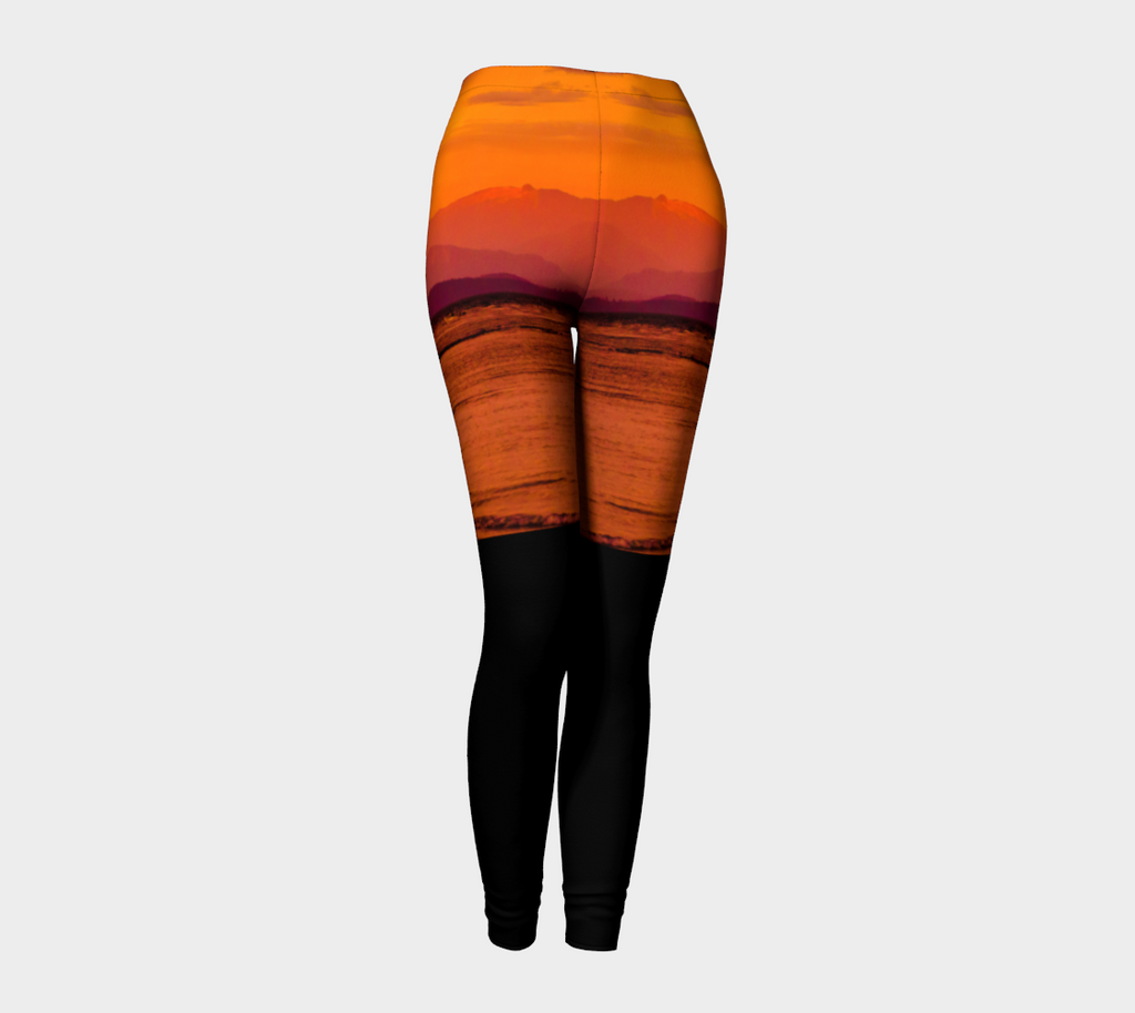Saratoga Sunset II Leggings by Roxy Hurtubise front