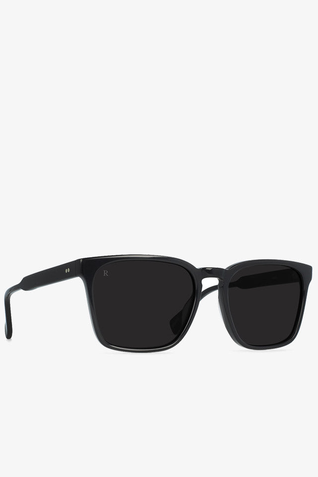Pierce Sunglasses Black/Dark Smoke