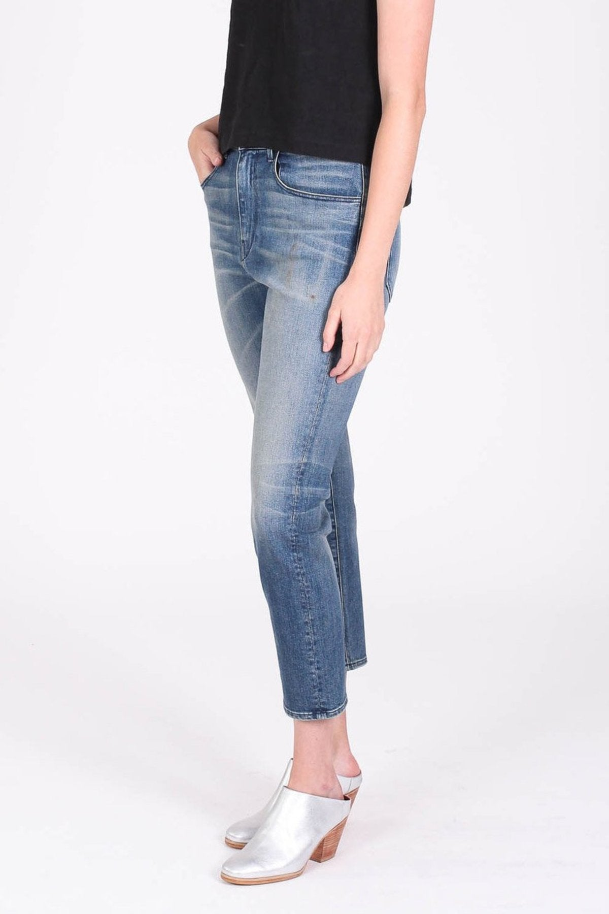 Cropped Boyfriend Jean in Carlton