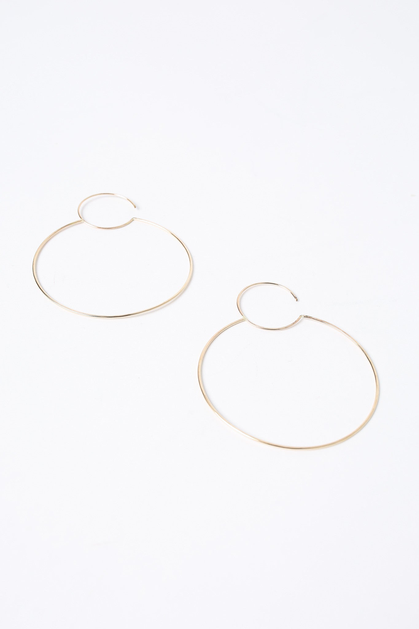S Tector Metals Large round hoop earrings - Vert & Vogue