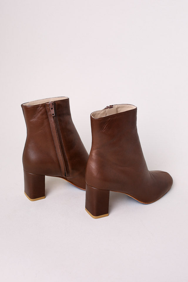 Maryam Nassir Zadeh Agnes Split Toe Boot in Kona - Vert & Vogue