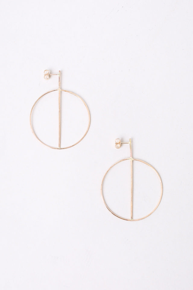 Small Circle Earrings With Crossbar in Gold