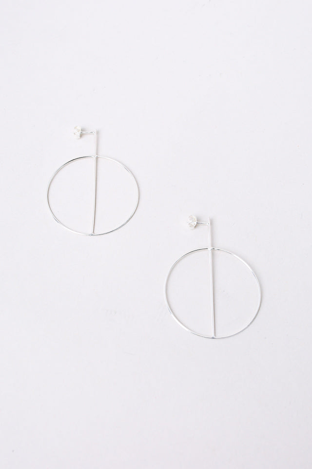 Small Circle Earrings With Crossbar in Silver