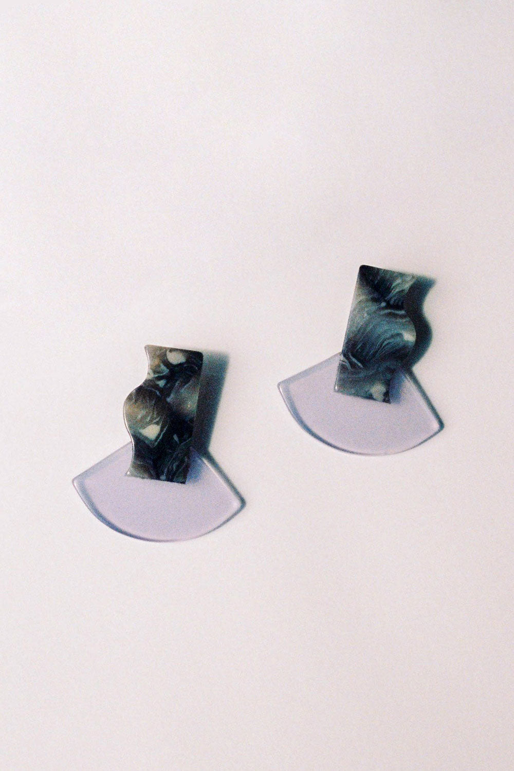 Apres Ski Deva Earrings in Lilac - Vert & Vogue