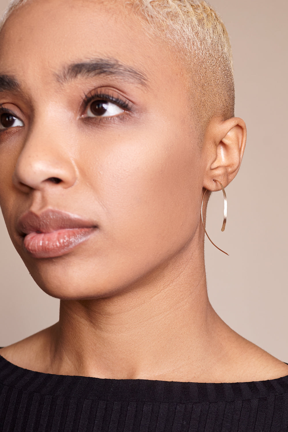"2"" Wishbone Hoop Earring in 14k Gold"