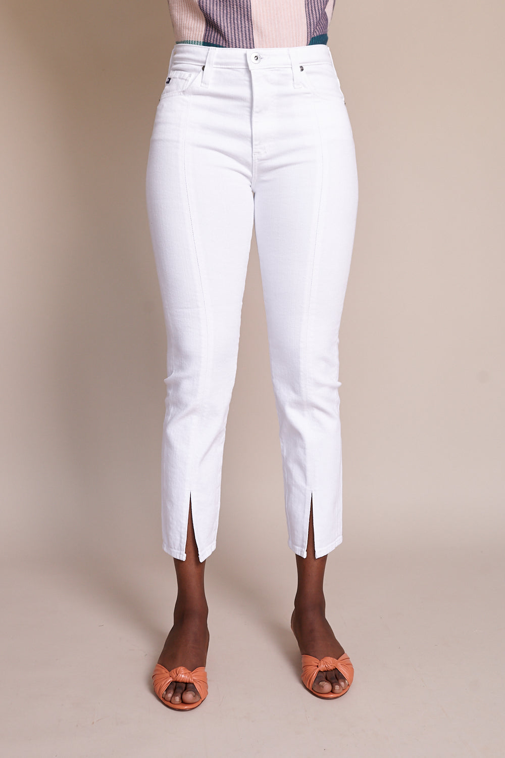 AG Jeans Isabelle Straight Crop Jean With Slit in 1 Year Tonal White - Vert & Vogue