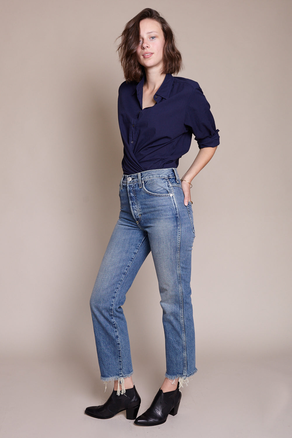 Amo Denim Layla High Rise Straight Leg Jean in Tomcat - Vert & Vogue