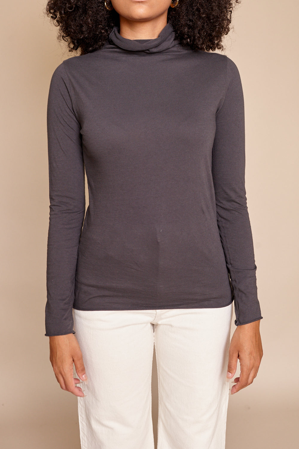 Cotton Turtleneck in Sumi