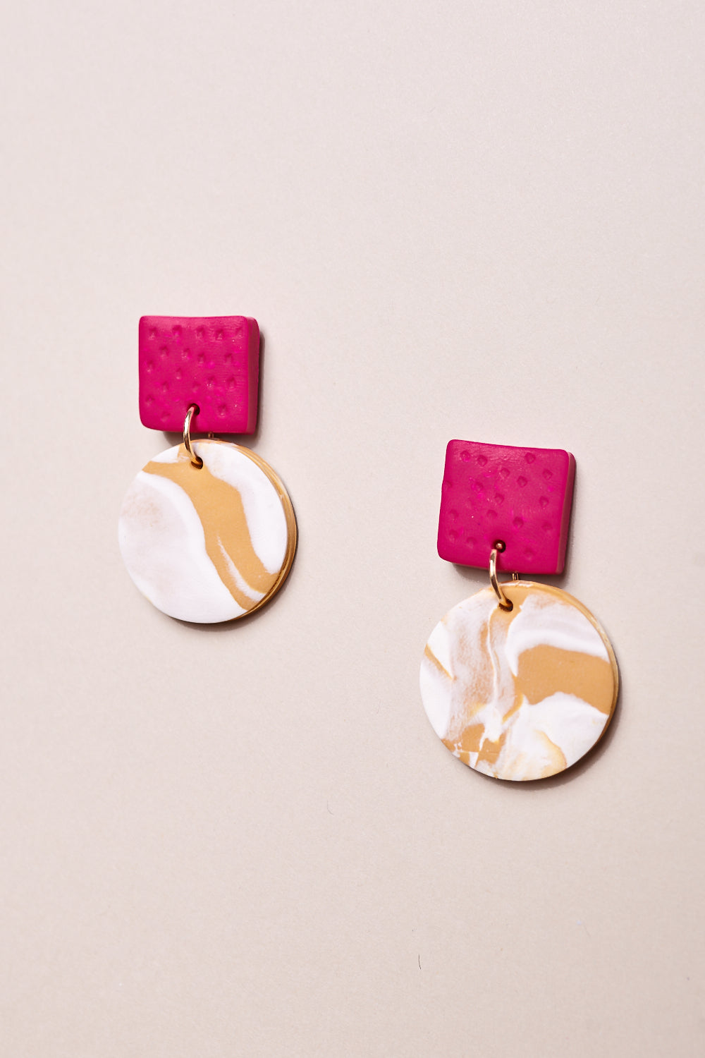 Max Earrings in Fuchsia Mustard