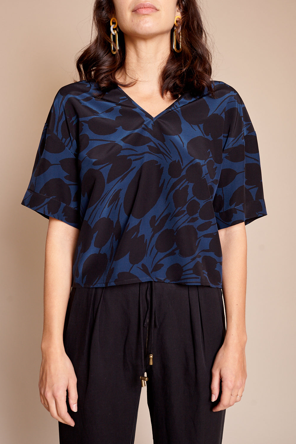 Diamond V Neck Top in Black and Navy Tulip