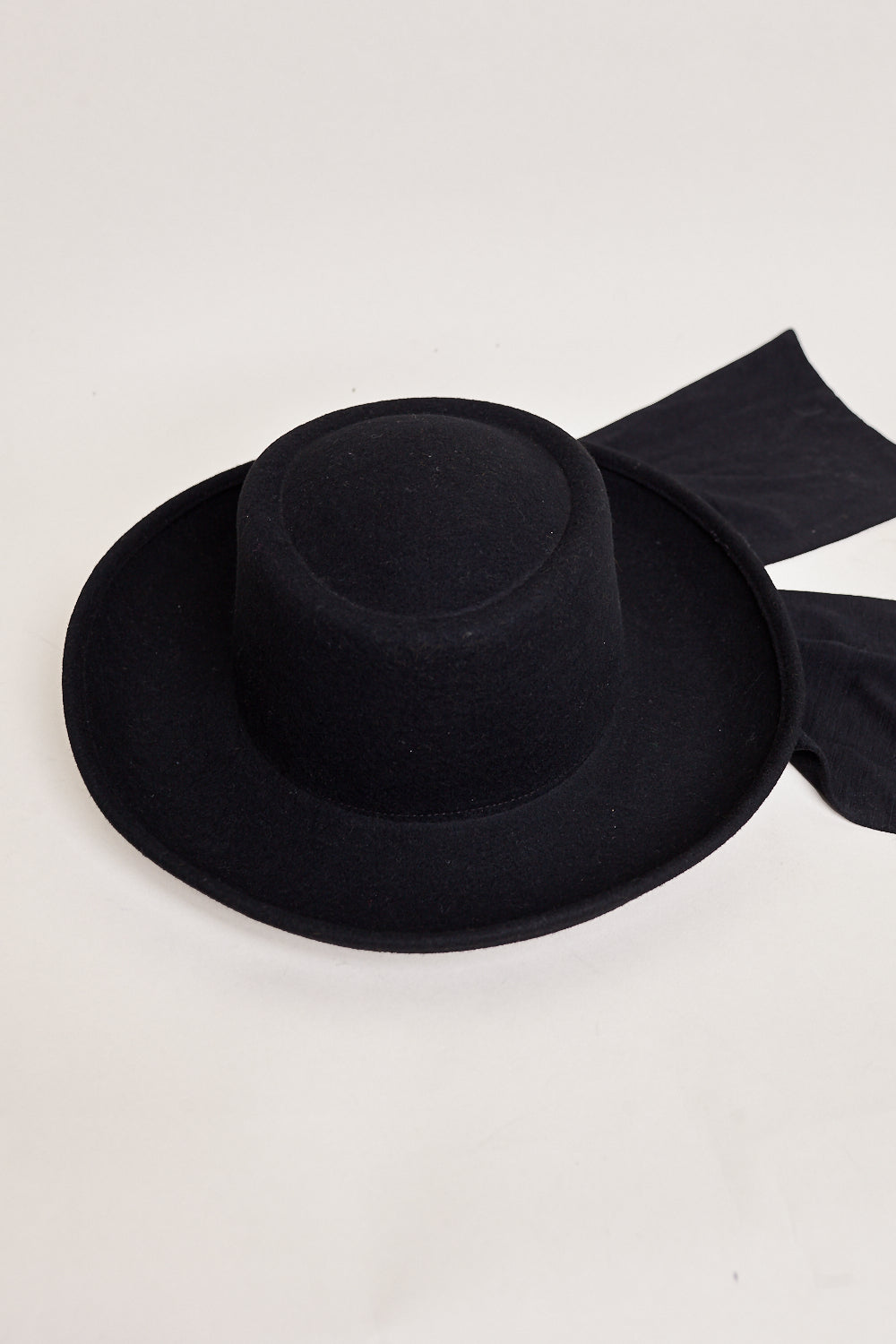 Clyde Gambler Hat in Black - Vert & Vogue