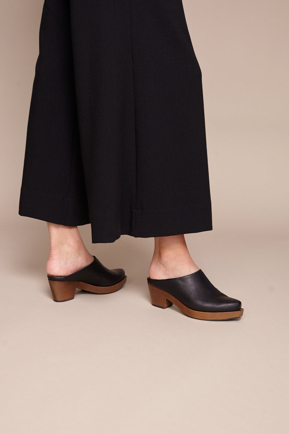 Kera Clog in Talco Black