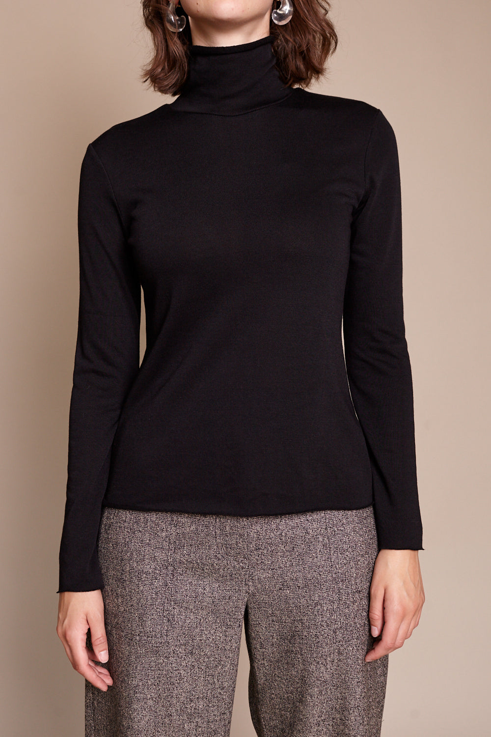 No.6 Gloria Turtleneck in Black - Vert & Vogue