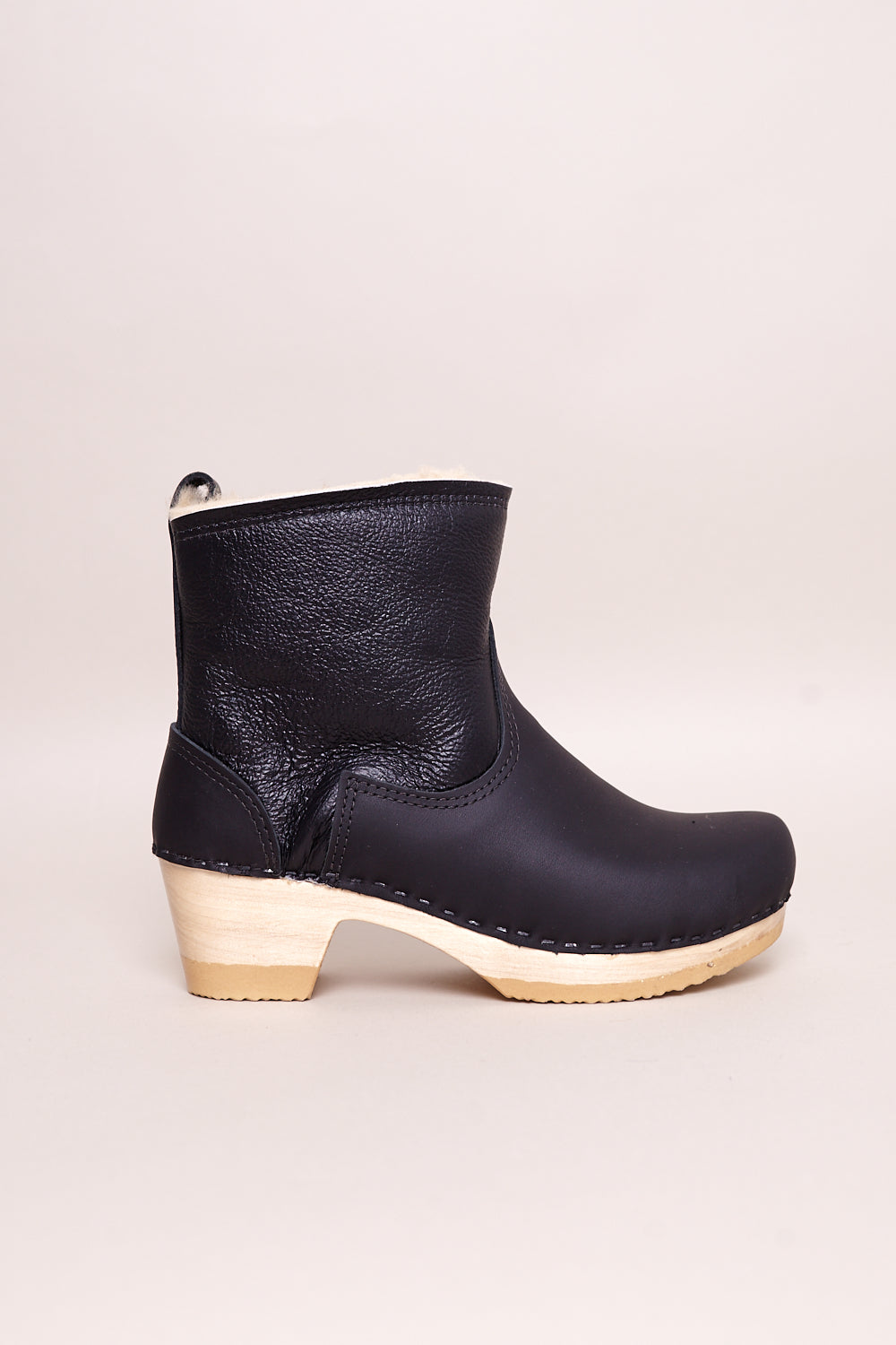"5"" Pull on Shearling Clog Boot in Ink Aviator"