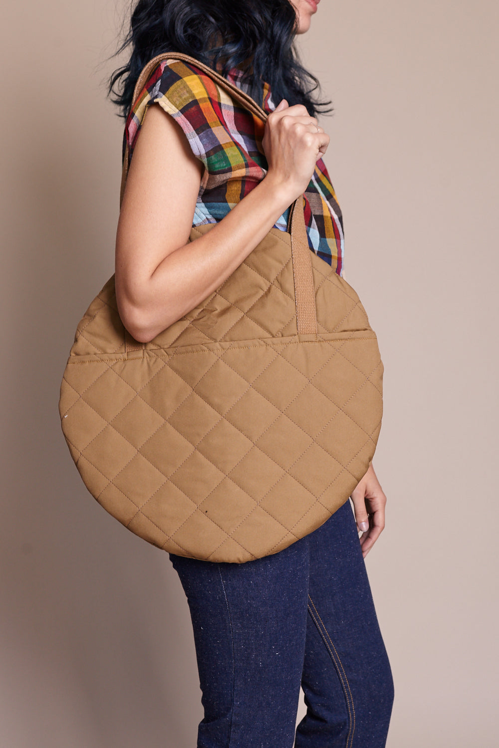 Large Circle Tote in Canela