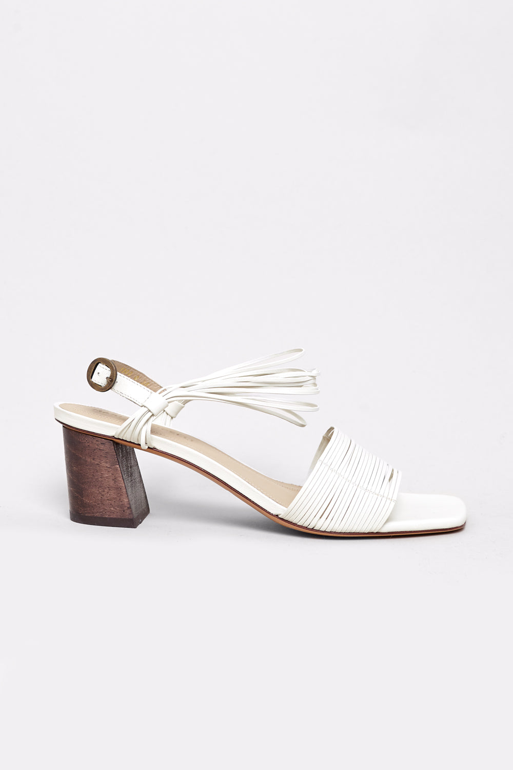 Vitta Sandal in Off White