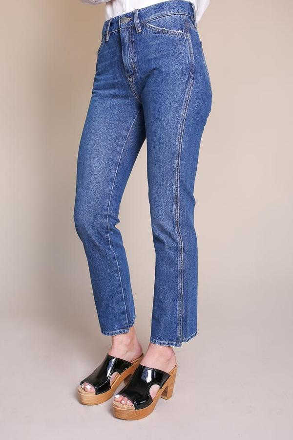 Cult Mid-rise Jean in Unwash