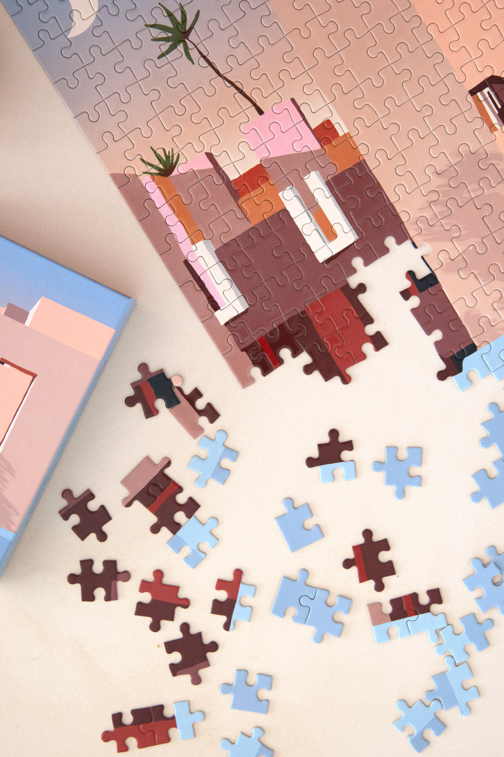 Slowdown Studio La Muralla Roja puzzle Deigned by Charlie Bennell - Vert & Vogue