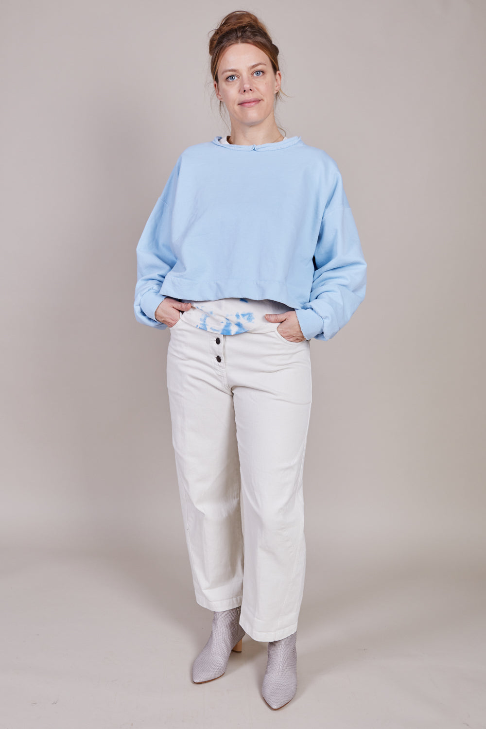 Mingle Sweatshirt in Sky Blue